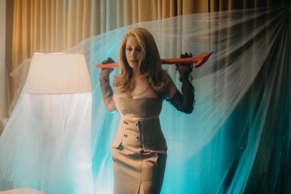 Тина Кароль в клипе на трилогию «Найти своих»