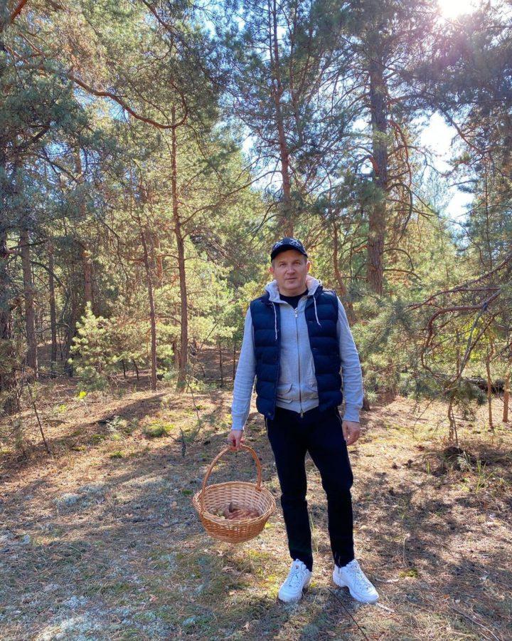 Юрій Горбунов в лісі