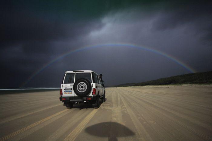 Лунная радуга в пустыне