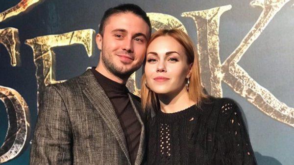 Тарас Тополя и Алеша вместе уже 10 лет. За это время они завели троих детей и сохранили трепетные чувства любви