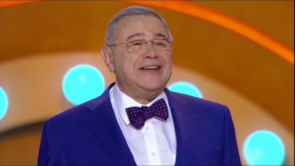Как Евгений Петросян выглядел 54 года назад?