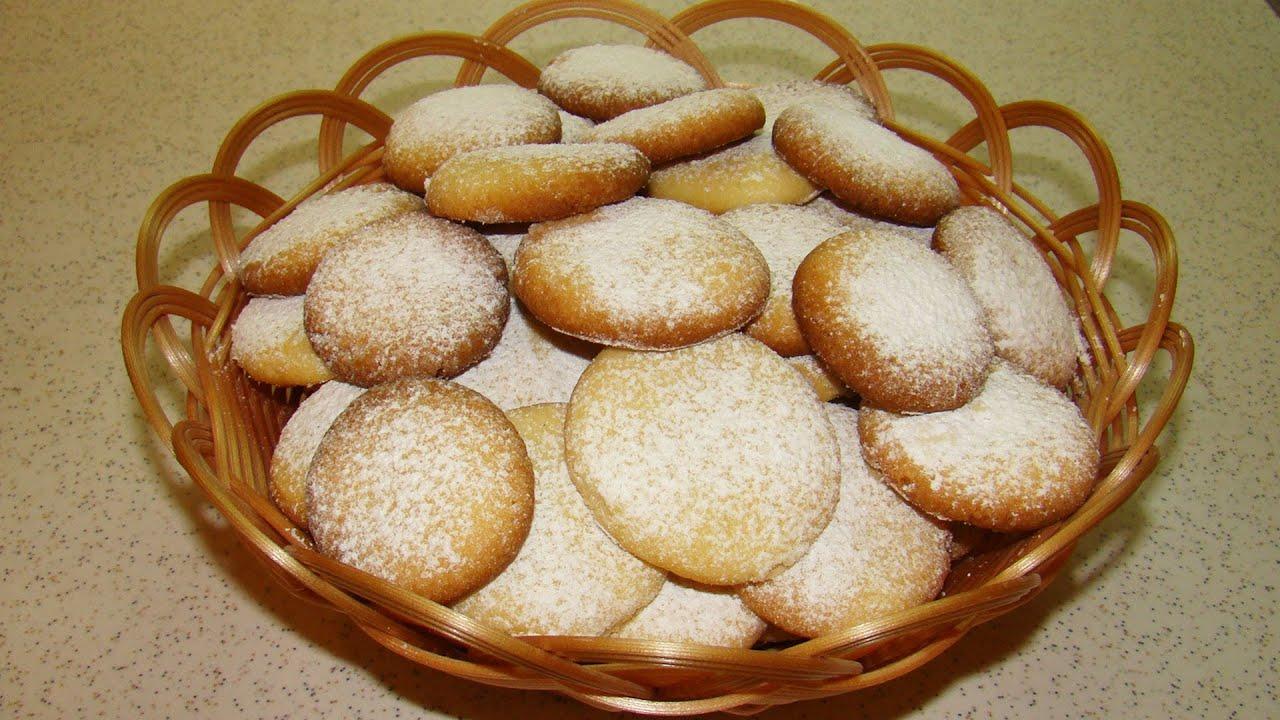 Старинный рецепт домашних коржиков на масле и вареных желтках, которые можно давать даже грудничкам