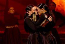 Санта Дімопулос і Надія Мейхер поцілувалися на паркеті