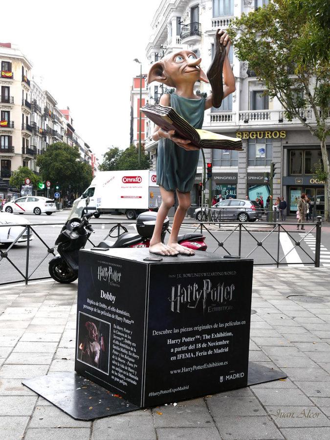 Памятник домашнему эльфу Добби в Мадриде, Испания