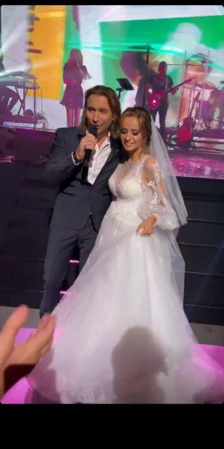 Олег Винник с невестой