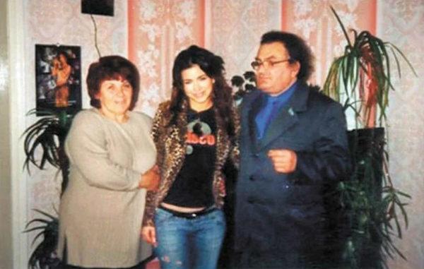 Ані Лорак з батьками