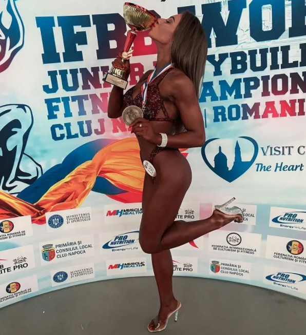 Виктория Черненко с наградой