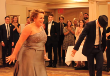 Весільний танець мами і сина
