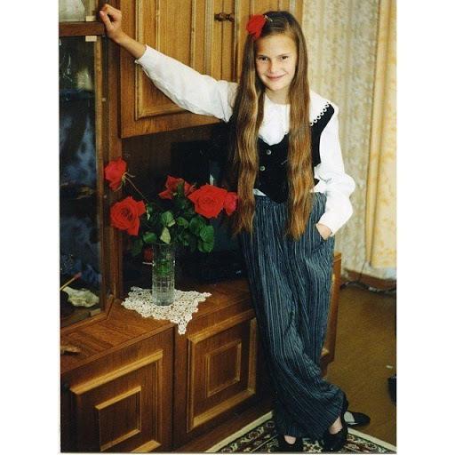 Алла Костромічева в дитинстві
