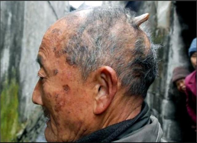Хуанг Юнфан из Китая, которому 84 года,