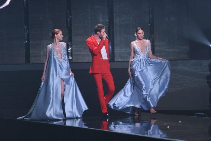 Макс Барських на сцені Супер Топ-моделі