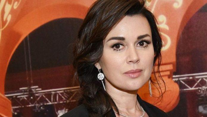 Анастасія Заворотнюк може з'явиться на публіці до нового року