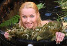 Анастасия Волочкова снова проводит свои выходные в баньке - на этот раз общественной