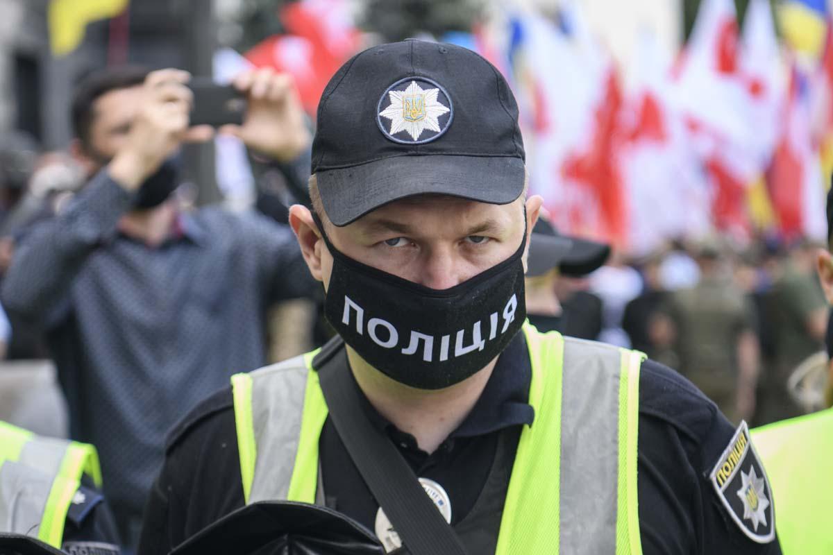 Так платить или не платить штраф за отсутствие маски? Зеленский подписал новый законопроект