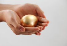 Золоте яйце
