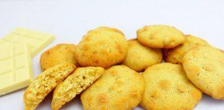 Песочное печенье с орехами и шоколадом