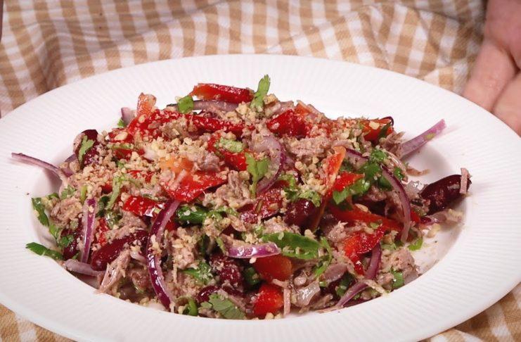 Аппетитный салат на Новый год