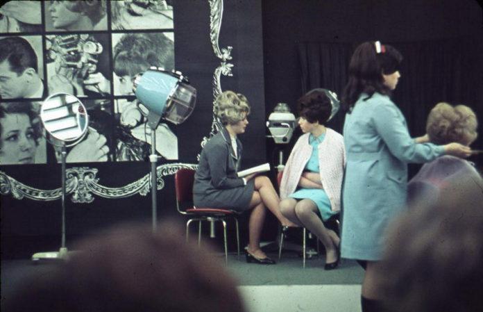 Як виглядали перукарні в СРСР?