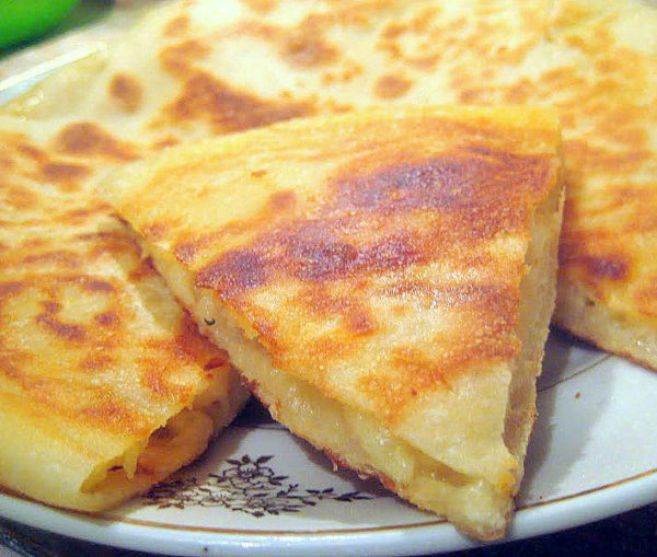Пироги на сковороде с сыром