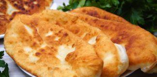 Пироги на сковороді з сиром - простий рецепт