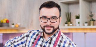 Руслан Сенічкін приготував свою фірмову картоплю - 15 хвилин і мінімум інгредієнтів