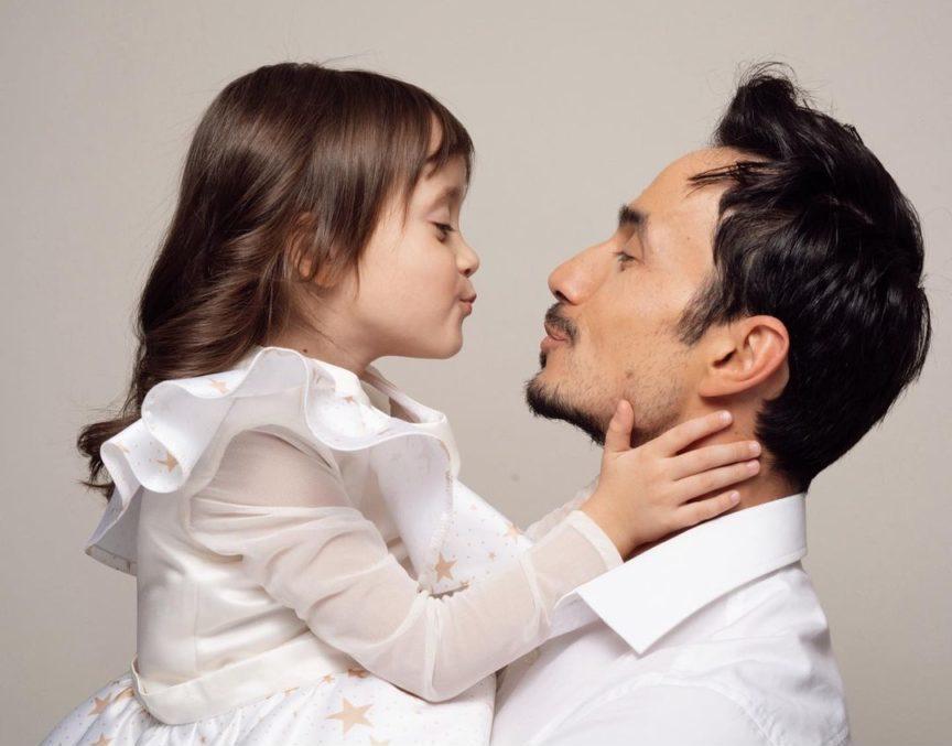 Александр Стоянов с дочкой