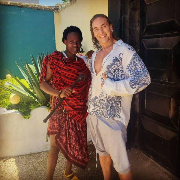 Тарзан на отдыхе в Африке