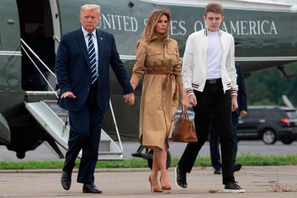 Дональ, Мелания и Бэррон Трамп