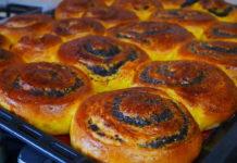 Дріжджові булочки з маком