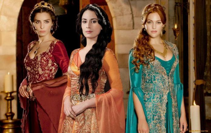 """Як в реальному житті виглядають актриси з серіалу  """"Чудовий вік """""""