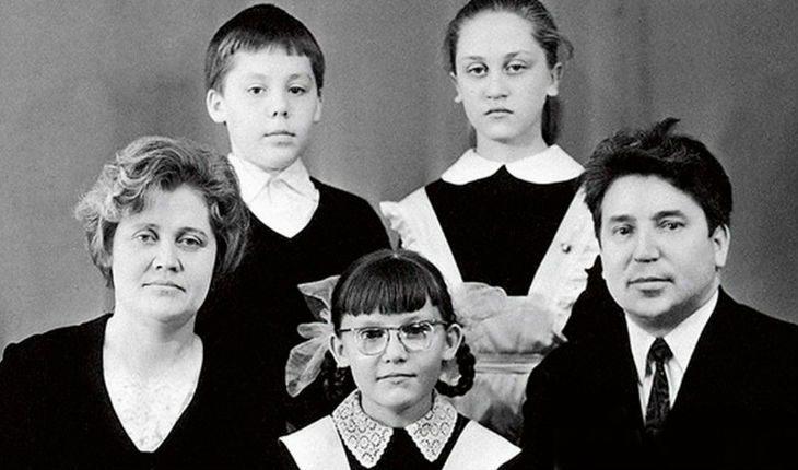 Елена Малышева в детстве