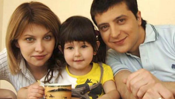 Олена Зеленська з чоловіком Володимиром та їх дочкою Сашею