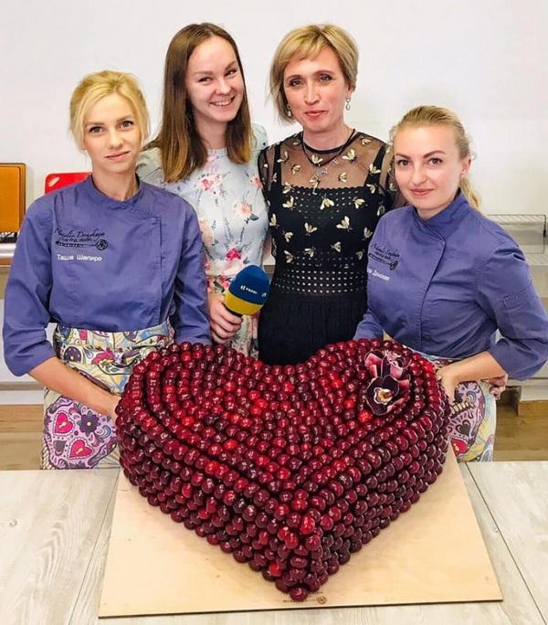 Торт-сердеце в подарок Виннику из Германии