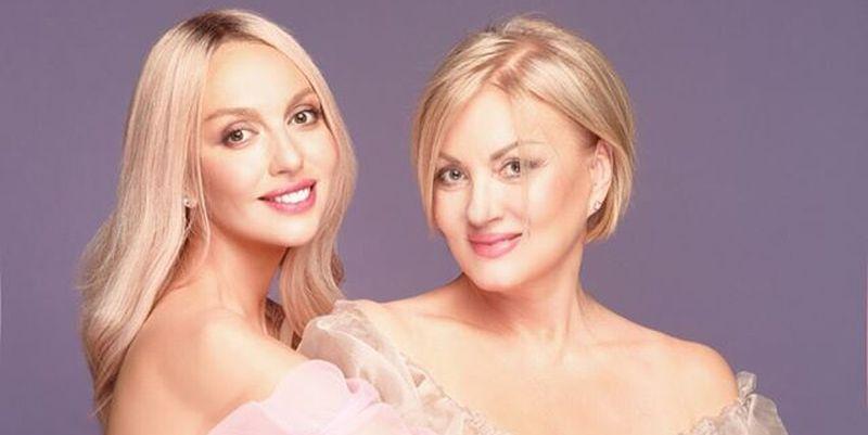 Оля Полякова с мамой