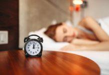У скільки потрібно лягати спати