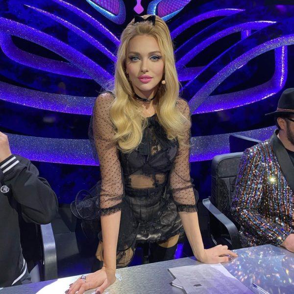 Оля Полякова на съемках «Маски» в образе Барби