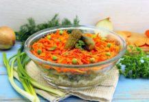 Салат с курицей и солеными огурцами - новый рецепт в копилку настоящей хозяйке