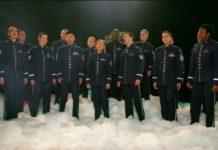 Оркестр ВПС США виконує українську колядку Щедрик
