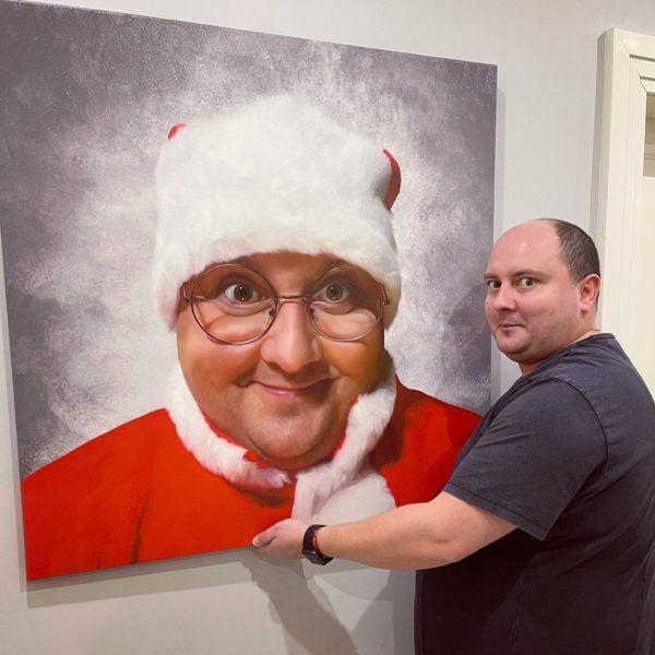 Юрий Ткач со своим портретом