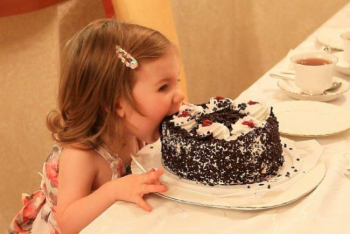 Чому хочеться солодкого і як від цього позбутися?