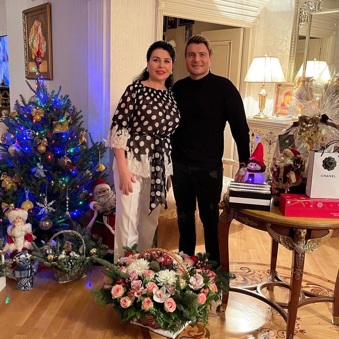 Николай Басков в гостях у мамы
