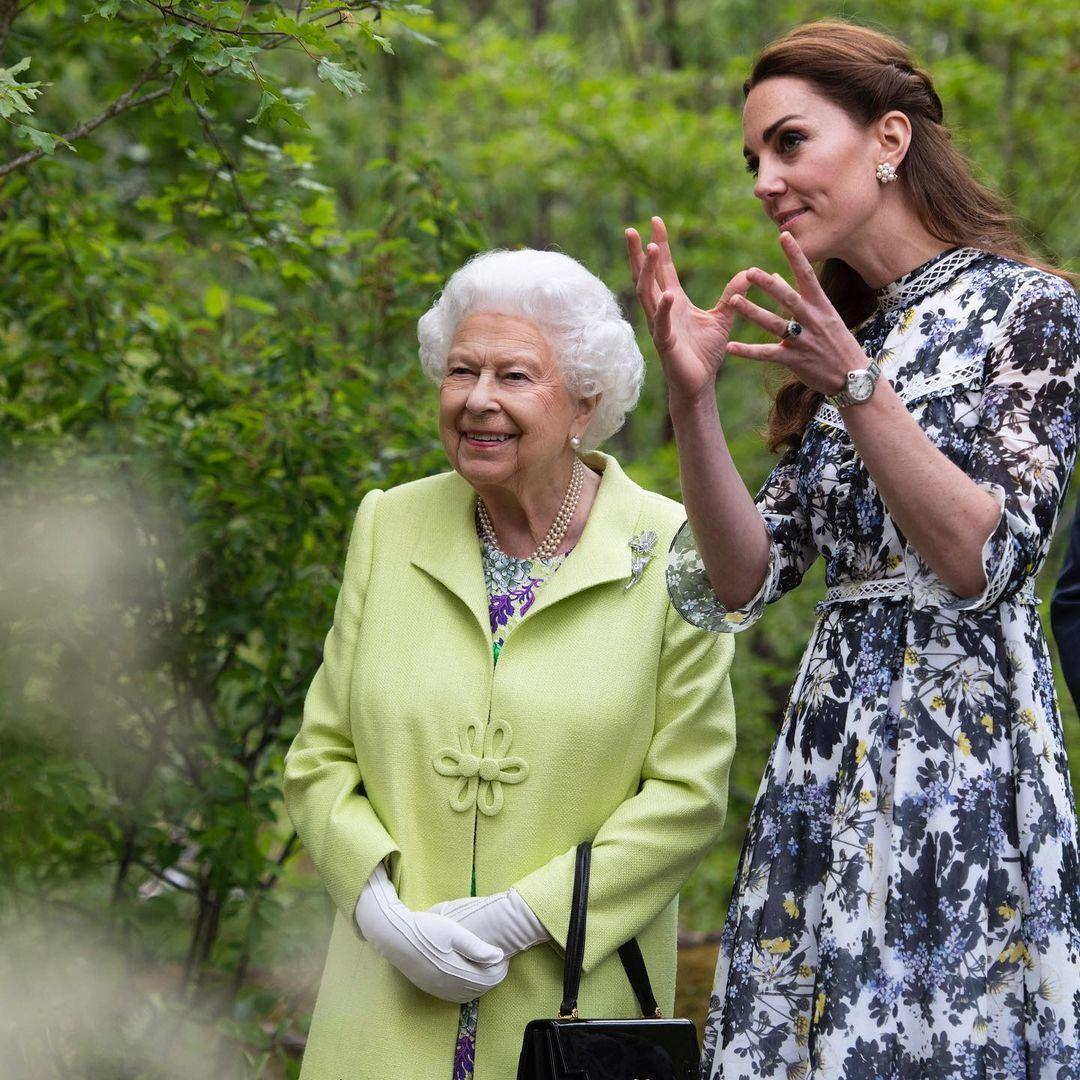 Королева Елизавета II и Кейт Миддлтон