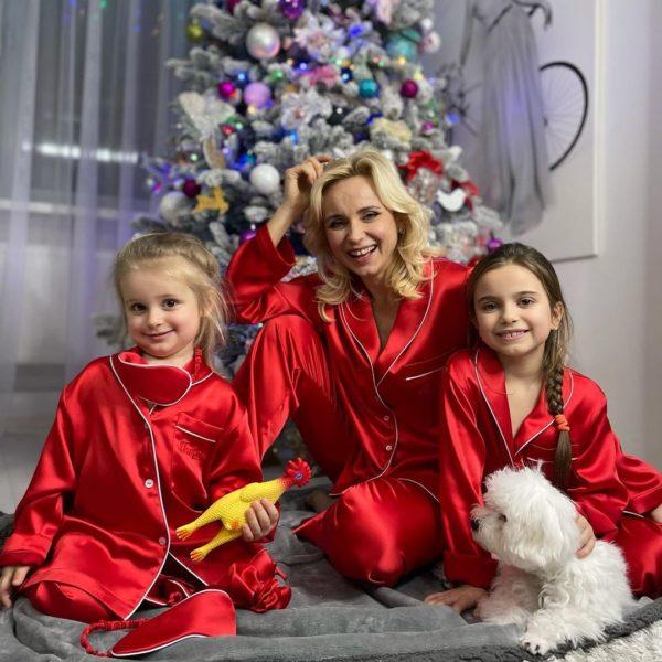Лилия Ребрик с дочками