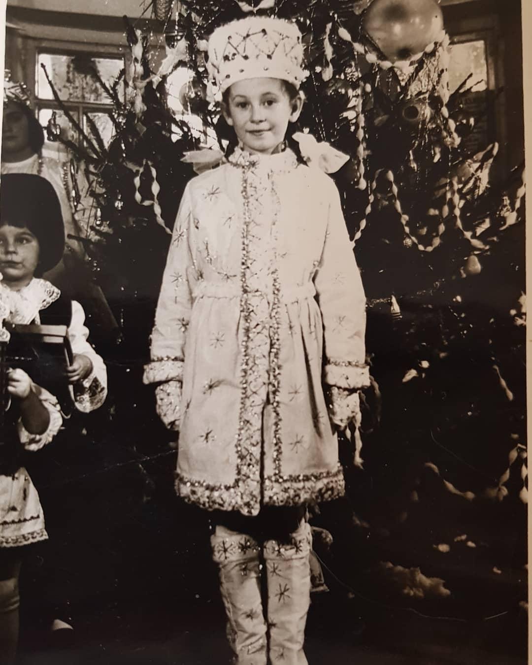 Алла Мазур в дитинстві