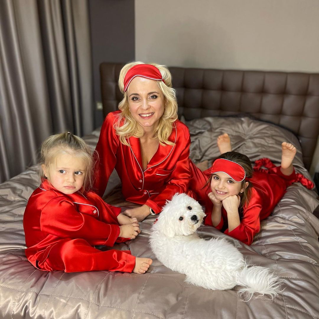 Лілія Ребрик з дочками