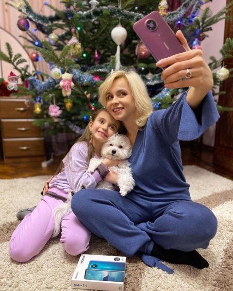Лілія Ребрик під новий рік подарувала донечці новий смартфон, але не за всі гроші світу