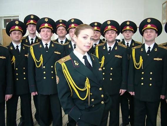 Тина Кароль в военном ансамбле