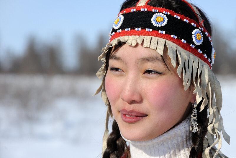 Юные чукотские девушки очень красивы
