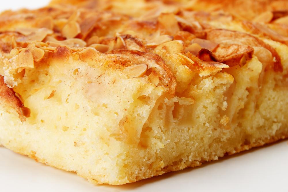 Яблочный пирог очень мягкий и вкусный