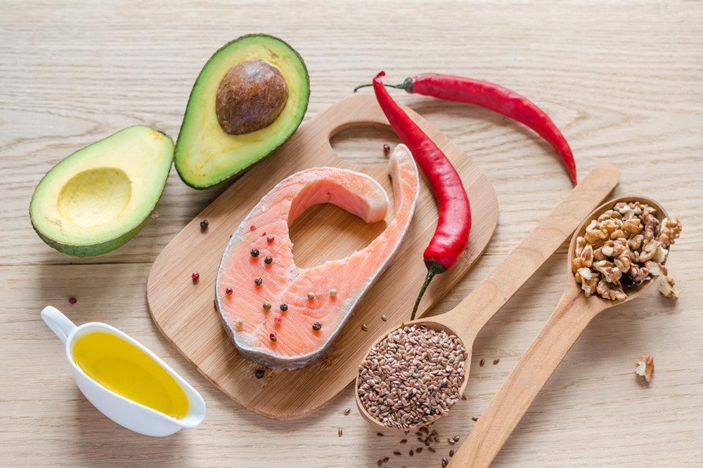 Полезные жиры нужно обязательно добавлять в рацион всей семьи